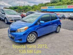 2012 Toyota Yaris en venta.
