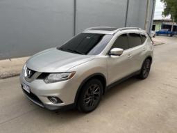 2015 Nissan Rogue en venta.