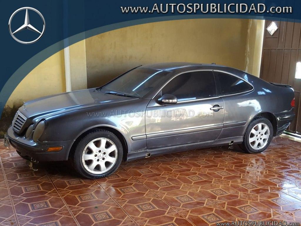 2001 Mercedes Benz CLK 320 en venta.