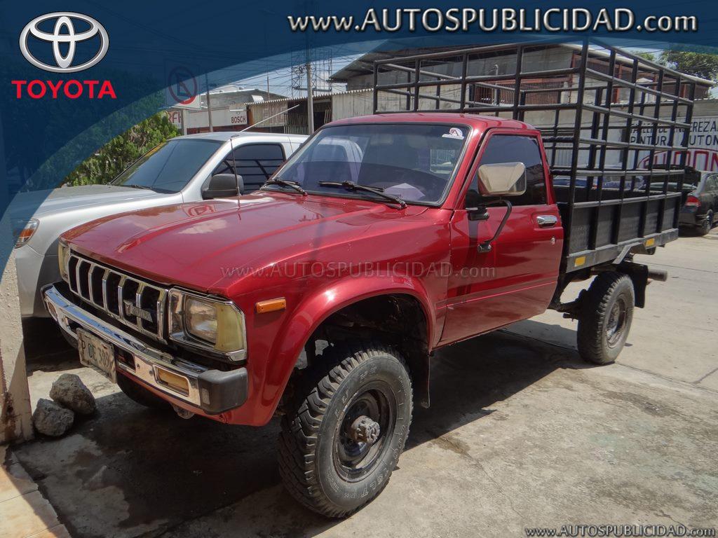 1983 Toyota Hilux en venta.