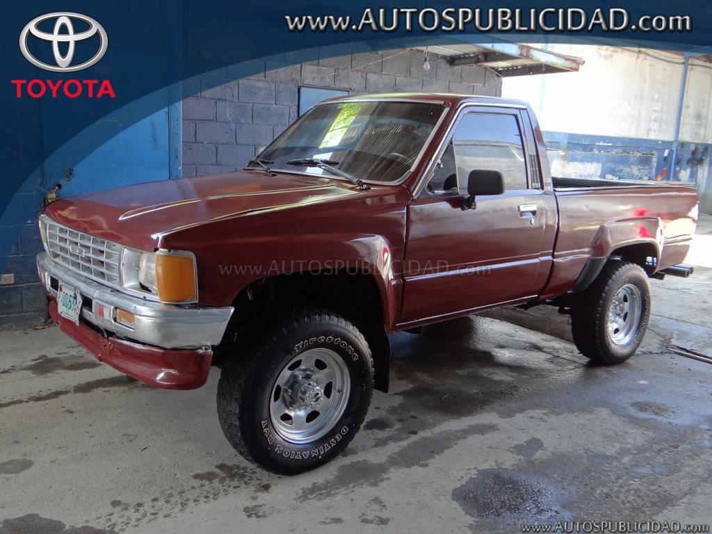 1985 Toyota Hilux en venta.