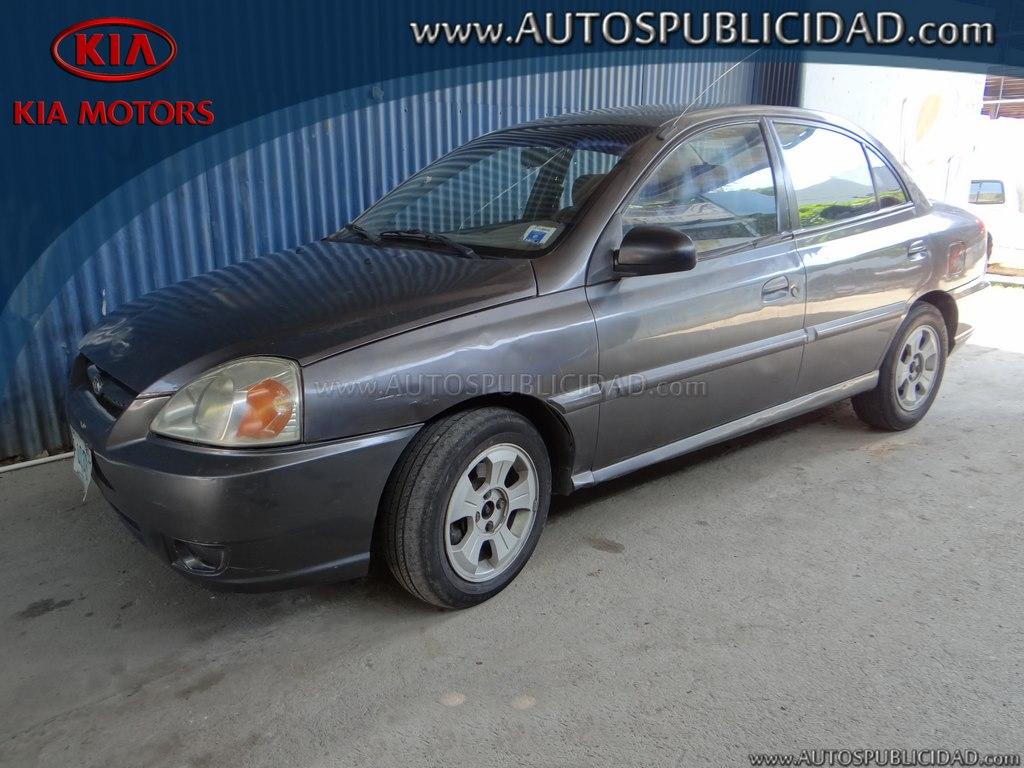 2004 Kia Rio en venta.