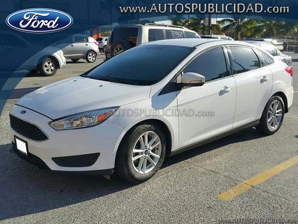 2015 Ford Focus SE en venta.