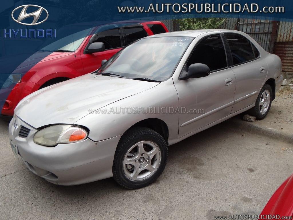 1999 Hyundai Elantra en venta.
